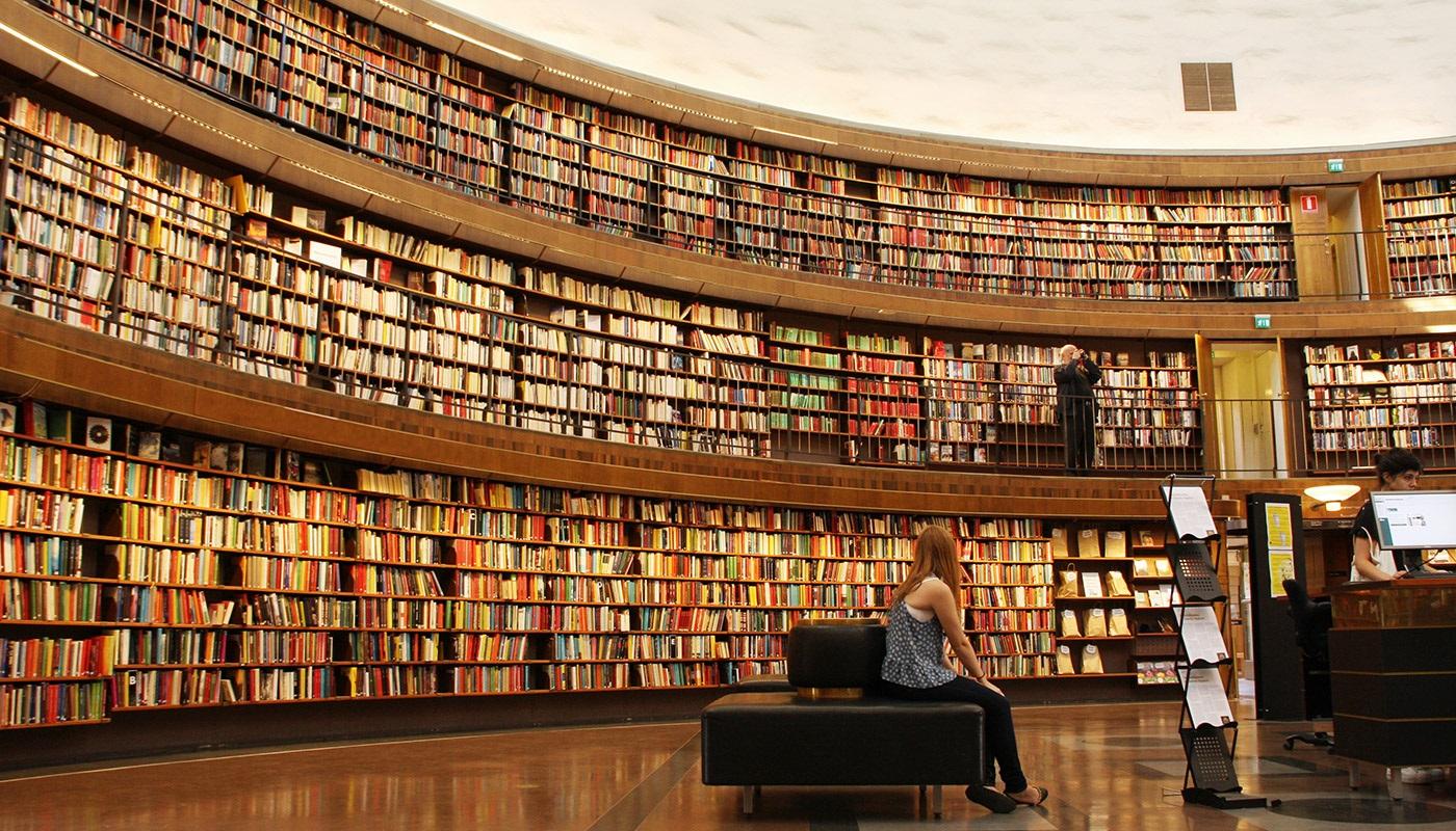 Bibliothèque bien rangée